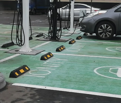 колесоотбойник резиновый, упор колес, резиновый колесоотбойник для парковки, купить упор для колес, колесоотбоник купить в Киеве Харькове
